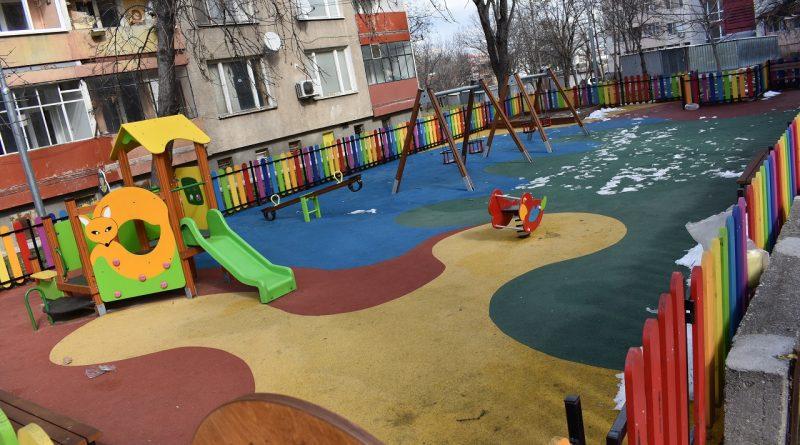 Обещано и изпълнено: Ремонтираха 11 детски площадки в община Асеновград